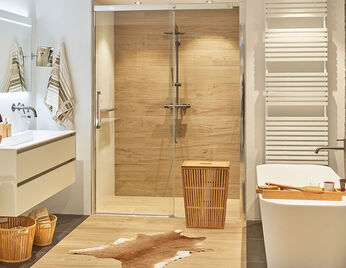 Beige badkamer met hout