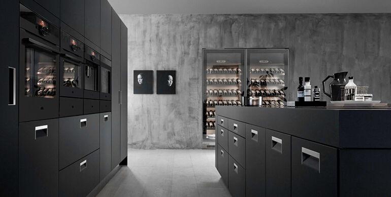 Zwarte keuken apparatuur