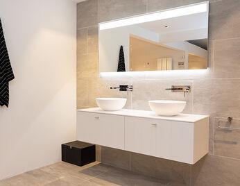 Spiegels in kleine badkamer