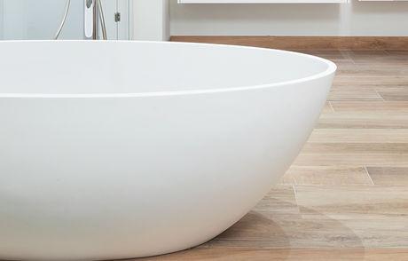 Een speels effect met badkamertegels