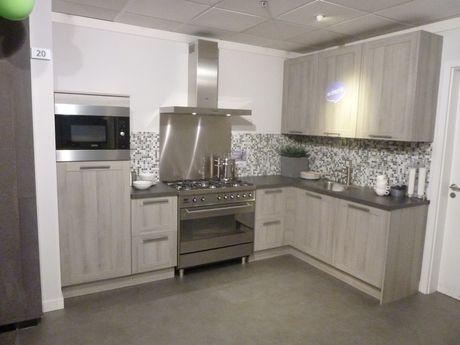 Keuken Kosten Berekenen : Showroomkeukens voor een scherpe prijs vind je bij brugman keukens