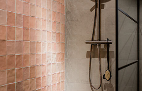 Tegels in de badkamer