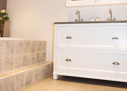 Badkamermeubel Op Pootjes : Badkamermeubel tulum cm met zijkast en led spiegel badplaats