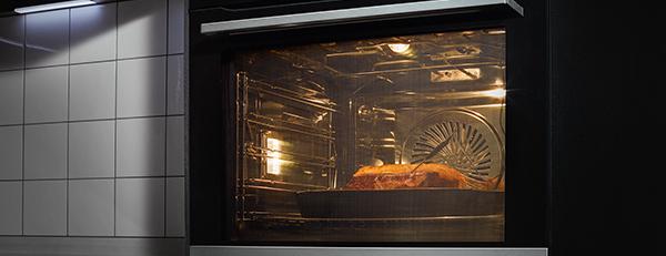 AEG oven met kernthermometer